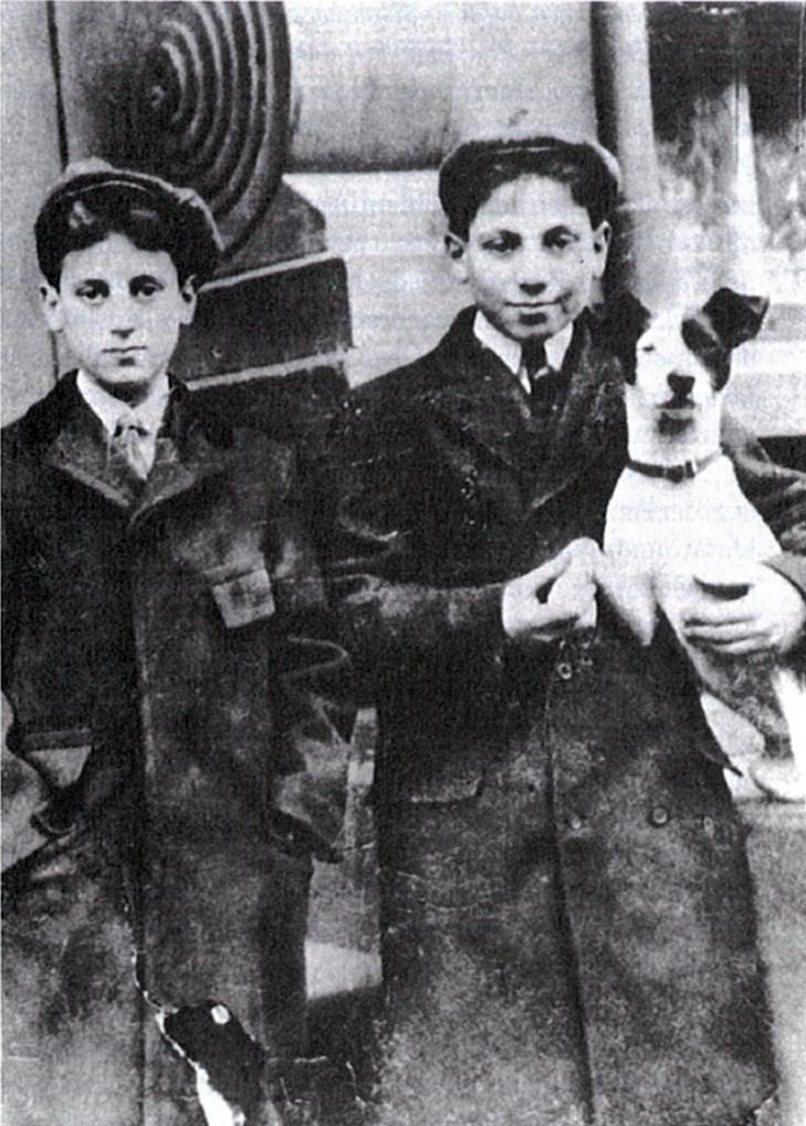 Groucho Marx,Harpo Marx,terrier
