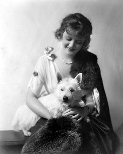 Billie Burke,Florence Ziegfeld, Irish Water Spaniel,Pekingese,The Wizard of Oz,