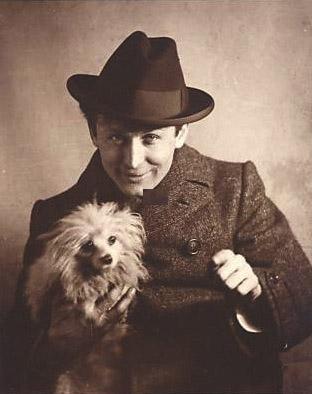 Harry Houdini,Houdini,magician,Fox Terrier, Pomeranian,Broken Wand ceremony,International Brotherhood of Magicians