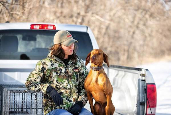 Vizsla, South Dakota, Beagle,Hazel, Labrador Retriever,sculpture,governor,Kristi Lynn Noem,Niles Boe,Mike Rounds