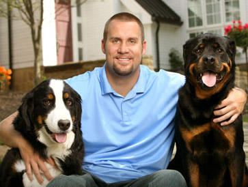 Ben Roethlisberger,Bernese Mountain Dog,Rottweiler,Vizsla,Golden Retriever,